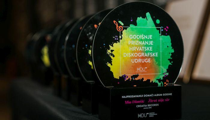 Petar Grašo, Nina Badrić, Mia Dimšić, Vatra i Domenica bili su najuspješniji u protekloj godini prema rezultatima Hrvatske diskografske udruge