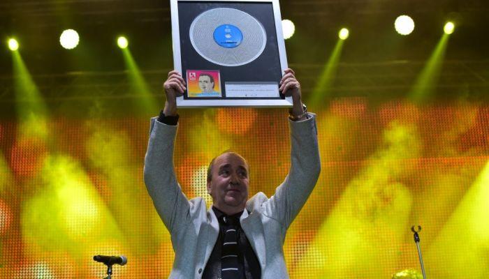 Hrvatska diskografska udruga dodijelila priznanje Mladenu Grdoviću za dijamantnu nakladu