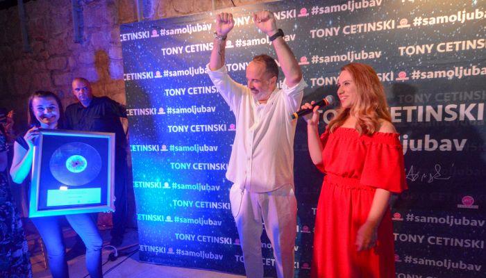 30 godina uspješne glazbene karijere Tonyja Cetinskog ovjekovječeno Posebnim priznanjem