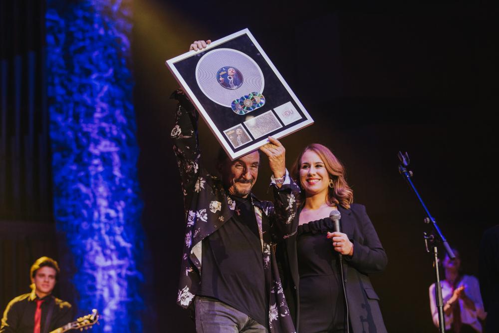 Željko Bebek nagrađen najvećim diskografskim priznanjem u Hrvatskoj