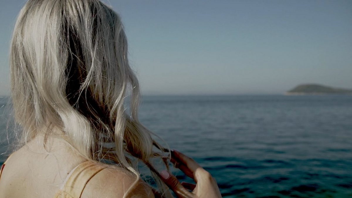 Uspomena, ljubav i sol u zraku u novome spotu klape Žrnovnica